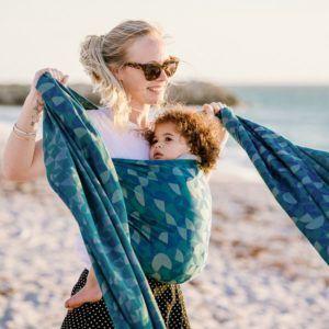 fidella_vikle_bæresele_slynge_fastvikle_baby_wrap_baby_carrier_kaleidoscope_ocean_teal